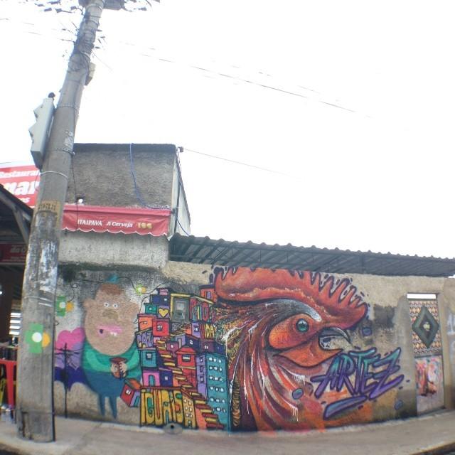 Freestyle com os parceiros @rodrigo_villas e @artez_online da Servia, no centro...bar do Omar... #streetartrio #marceloment #mentone #riodejaneiro #rio #rj #graffiti #spraypaint