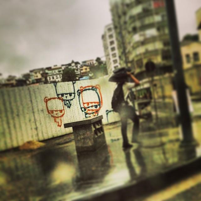 No meio do caminho tinha um #grafite... #artederua #instagrafite #streetartrio