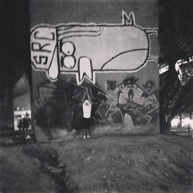 Role de ontem só de extensor e látex !!!  - Praça da Bandeira #graff #graffiti #streetart #streetartrio #bomb #bomber #bombing #vandal #vandalism #vandalismo #throwup #throwing #throw #attack #atnight #zonanorte #praçadabandeira