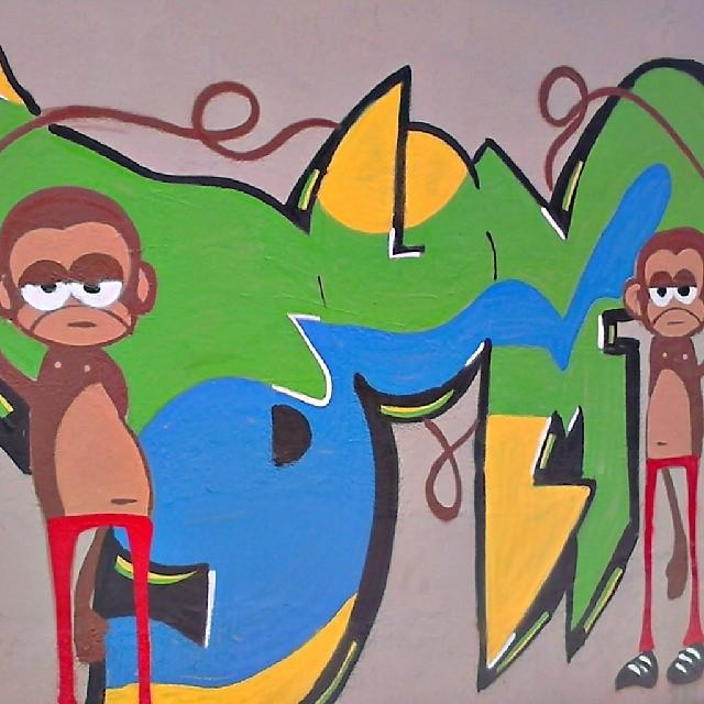 #StreetArtRio #grafite #grafrio #graffitirio #instahappy #instagraffiti #nice #friends #dum #Tijuca #instagrafite #monkey