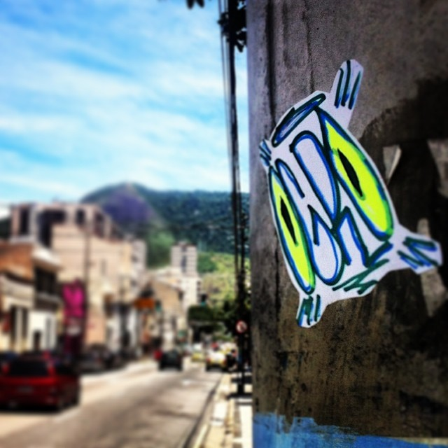 #ogro #rjstickers #brasilstickers #stickers #streetartrio #streetartbrasil #artederua #arteurbana #urbanart #urban #ilovebombing #graffrio #rjstreetart #adesivandoasruas #fluor #rj #ilovemarkers #markers #krink