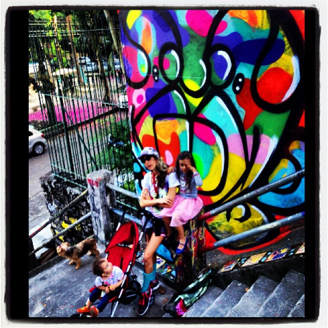#ppxi #djonereal @marygirlstyle #crew #refresh #pinkgirl #streetartrio #jb