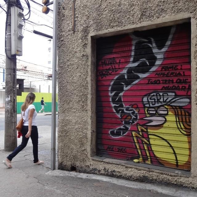 @igorsrcnunes and @joaomazza collab graffiti on roll up door. #igorSRCnunes #joaomazza #rollupdoor #riostreetart #streetartrio #urbanart #graffitiart #streetart #artederua #arteurbana #graffitibrasil #riodejaneiro