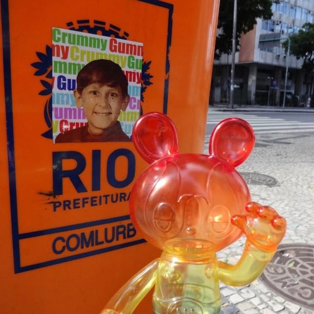 @itokinpark Lucha Bear and @crummygummy Kid love the colors of Rio! ♡ #luchabear #itokinpark #crummygummy #stickers #stickerart #stickerbomb #stickertrade #stickerporn #stickerwars #urbanart #streetart #artederua #arteurbana #streetartrio #riostreetart #downtownrio #rioeuamoeucuido #riodejaneiro