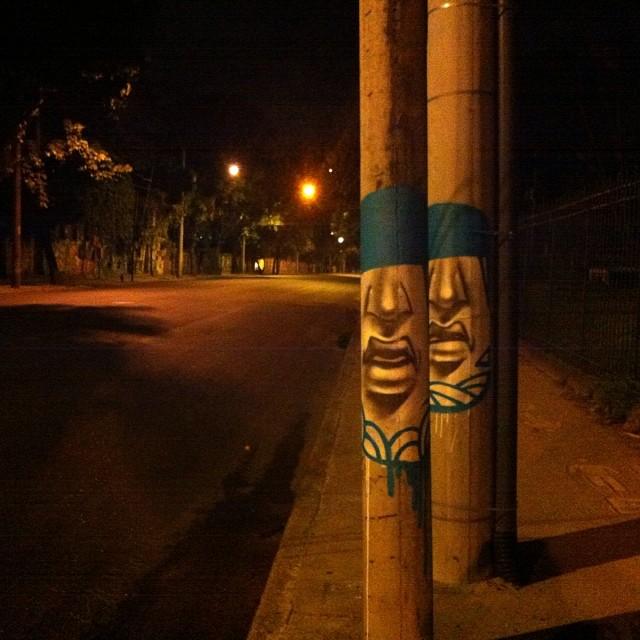 Bom dia e bom trabalho! 4:30 am #madruga #streetartrio #posse471 #jardimbotanico #caraposte