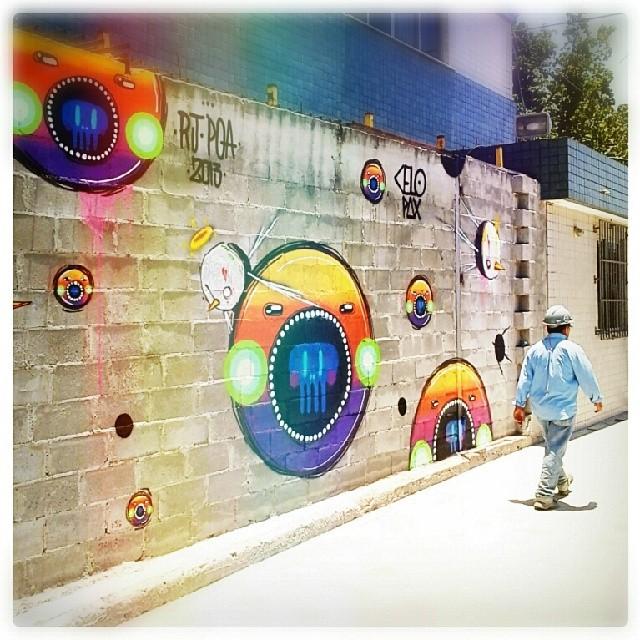 Bunys + @celopax . #GAMBOA . #riodejaneiro #streetartrio #graffitirio #cores #2013