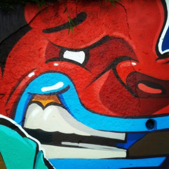Detail em santa teresa com os amigos @marcelojou e @rena_machado . #kovokcrew #streetartrio #graffiti
