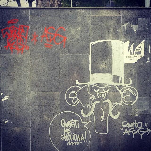 Não só a ti, sir macaco. #Grafitti #StreetArt #ArteDeRua #Xarpi