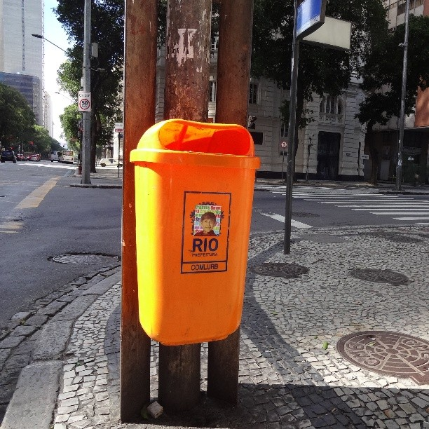 So happy to spot @crummygummy sticker on a public dust-bin in downtown Rio! #crummygummy #stickers #stickerart #stickerbomb #stickertrade #stickerporn #stickerwars #urbanart #streetart #artederua #arteurbana #streetartrio #riostreetart #downtownrio #rioeuamoeucuido #riodejaneiro