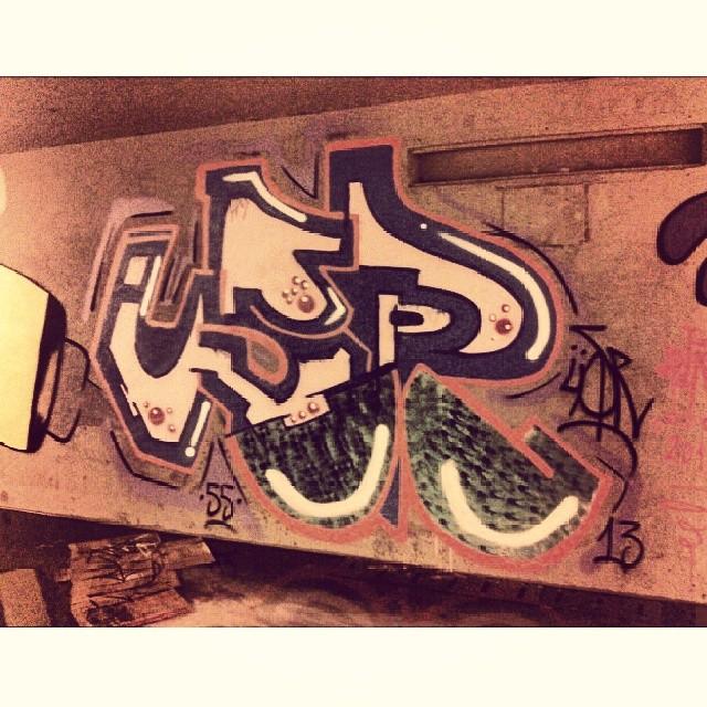 Só pra aliviar o dedo #streetart #streetartrio #arteurbana #tagsandthrows #graffitirj #graffitiart #instagraffiti #usr #55