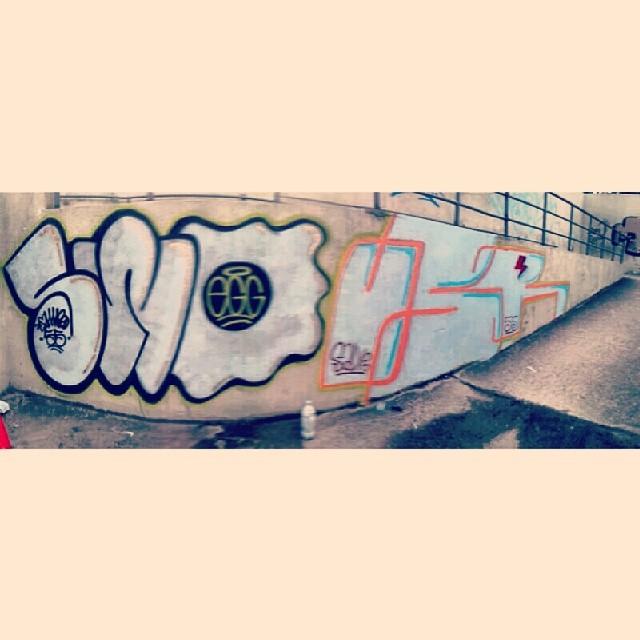 Sweggin + u$r #tagsandthrows #throwup #instagraffiti #streetart #streetartrio #ilovebombing #graffiti #urbanart #55