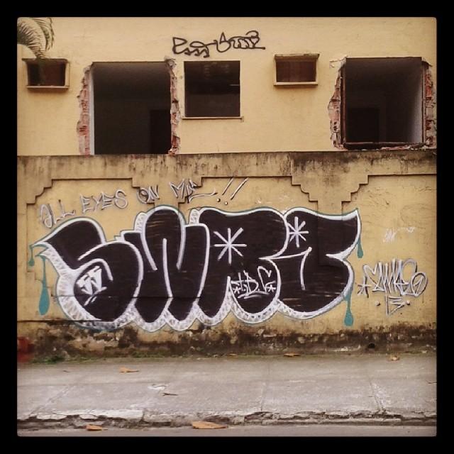 Tags&Throws #graffiti #bombing #vandal #vandalism #alleyesonme #classic #streetartrio