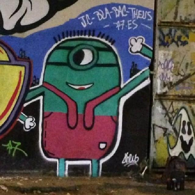 #errejota #riocomprido #rjstreetart #riodejaneiro #rj #tijuca #instagrafite #instart #instagraffiti #ouseserbrasileiro #artederuario #artederua #arteurbana #art #solazer #spraypaint #streetartrio #streetart #derole #graffiticarioca #grafitti #graffirio #grafittirio #grafite #hardcore2 #brasil #minion #montana #mtn #murosquefalam