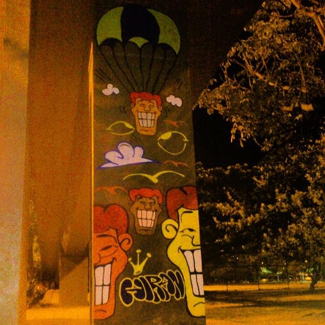 A noite na Lagoa foi assim... #angatu #hiran #streetdesign #streetview #streetartrio #streetart #rsa_grafitti #implus #rsa_streetart #rafaelhiran #grafittilovers #iloveletters #weloveletters #greatview #bomb #bombing #igersrio #arteurbana #artedelacalle #arquiteturaurbana #estéticaurbana #design #lagoa #helldejaneiro #errejota #riodejaneiro