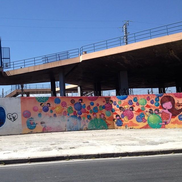 Acho esse grafite lindo na radial oeste, ao lado da estação do Maracanã. #grafite #grafitti #maracanã #rj #streetartrio