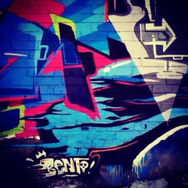 Bento #graffiti #luv #love #lettering #grafflife #funkycreativecoletive #vistafunky #detail #filho #streetartrio #streetartrj #halloffame #kovokcrew #afa #afa87 #miguelafa