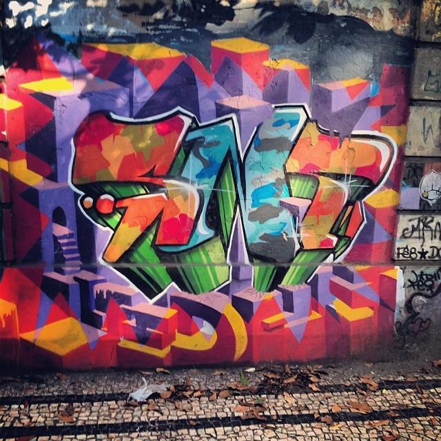 Colorburst #streetartrio #grafitti #tag