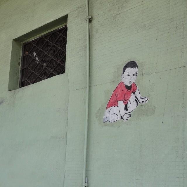 Esse moleque leva @phellipecd as alturas! #jornalcarioca #stencilart #lambe #lambelambe #coladefarinha #wheatpaste #pasteup #muralart #posterart #urbanart #streetart #artederua #arteurbana #streetartrio #riostreetart #riodejaneiro