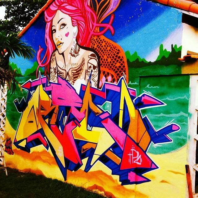 Pra fechar o role com chave de ouro e começar o ano com o pé direito com meu broo Nerd #graffitifamily #streetartrj #streetartrio #angradosreis #miguelafa #afa87 #afa #nerd #guilhermenerd #conexão #graffiti #paradise #