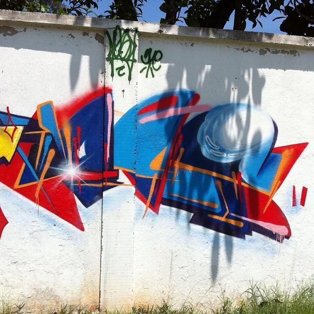 To com saudades da rua #repost #iogs #zoteam #streetartrio #rua #letrar #errejota #rj #zonaoeste #colors