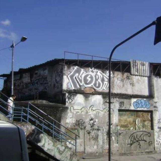 #nobã630 #meusrolés #artistasurbanoscrew #streetartrio #vandal #noalto #ruasdazn #graffitirj #instagraffiti #bomb #trowup