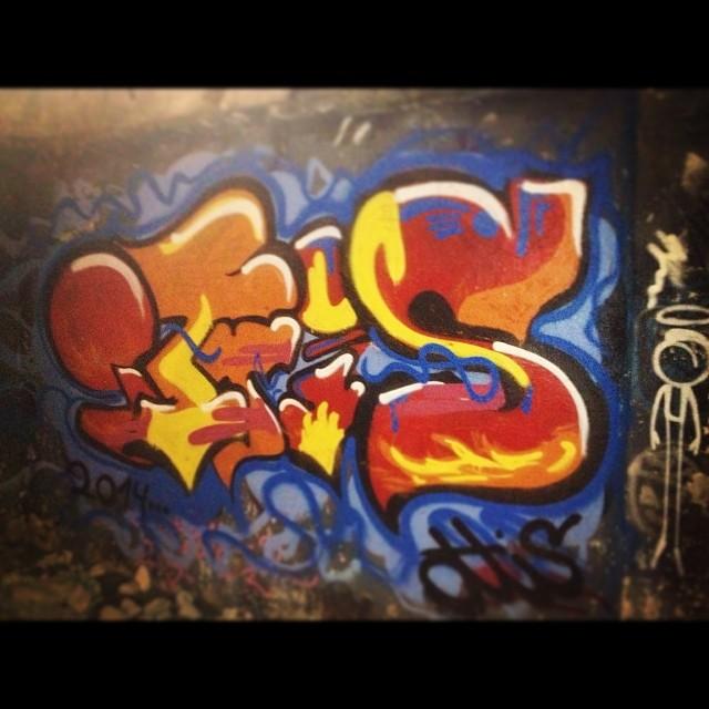 BomberMan!! #iluvletters #iloveletters #bomb #throwup #fatcap #graffiti #streetartrj #streetartrio #streetart #art #arte #ottis