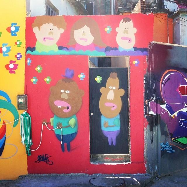 Caminho do grafitti no morro dos prazeres, Rio de Janeiro. Evento classe A organizado pelo irmão @marcioswk obrigado pelo convite, foi demais! #caminhodograffiti #morrodosprazeres #villas #bird #lovebird #streetart #streetartrio