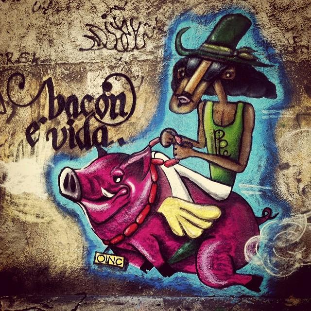 Começo da parceria. @angelomartins #streetartrio #streetart #sprayart #spray #grafite #graffiti #arteurbana #urbanart #instagrafite