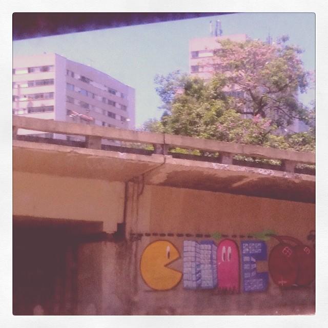 Entre a leopodina e a praça da bandeira.. #grafite #grafitti #rj #streetartrio
