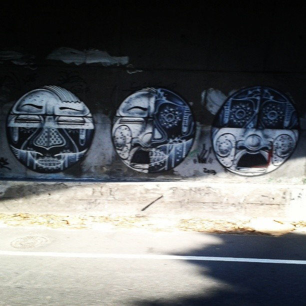 Faces kk #StreetArtRio #face #gavea #zs #almadasruas #instagrafitti #intervenção #vsc #registrocarioca #grafitti #art #artrio
