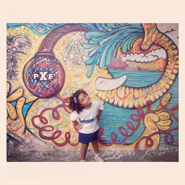 Morena Flor e mais uma arte feita pelo camarada PXE. #Grafitti #Ipanema