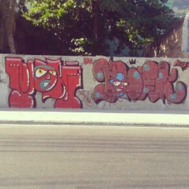 Nobã & Poder na cena #artistasurbanoscrew #estiloriginal #nobã630 #poder #instagraffiti #instagrafite #graffitirj #ruasdazn #zonanorte #suburbiocarioca #worldgraffiti #throwup #ilovebomb #ilovebombing #tamonarua #streetartrio