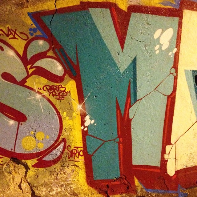 S+M #oreus #mentone #paris #rio #graffiti #streetartrio #spraypaint #marceloment @notoreus_b #morrodovidigal #vidigal #riodejaneiro #rj #letters #letras