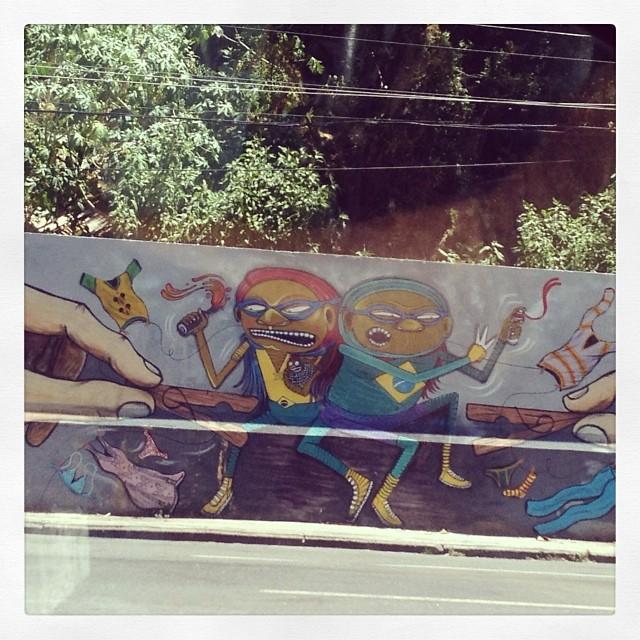 Trecho do muro da Manoel de Abreu. #grafite #grafitti #streetartrio #vila #rj