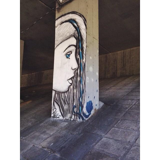 Uma das colunas de hoje! Junto com @pedrojardim @heitorcorrea64 • Cosme Velho - RJ #streetartrio #instagrafite #graffiti
