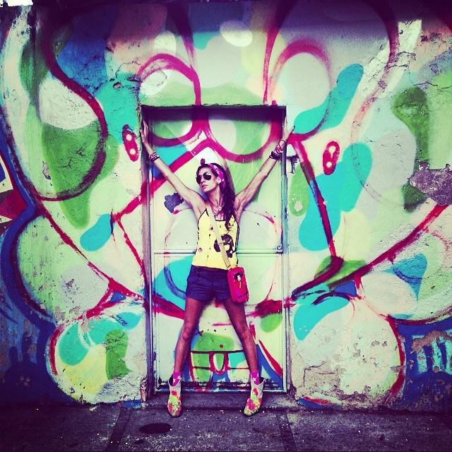 #graffiti & #photo by #djonereal #cap #lagoa #jb #styling #marygirl #artcollective @idolnoproject #artespray #artederua #streetart #streetartrio #idolnostyle #streetstyle