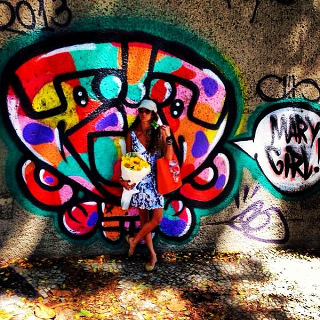 #summertime #graffiti #djonereal #humaita #rj #styling #marygirl #streetstyle #idolnostyle #streetart #streetartrio #artcolective @idolnoproject