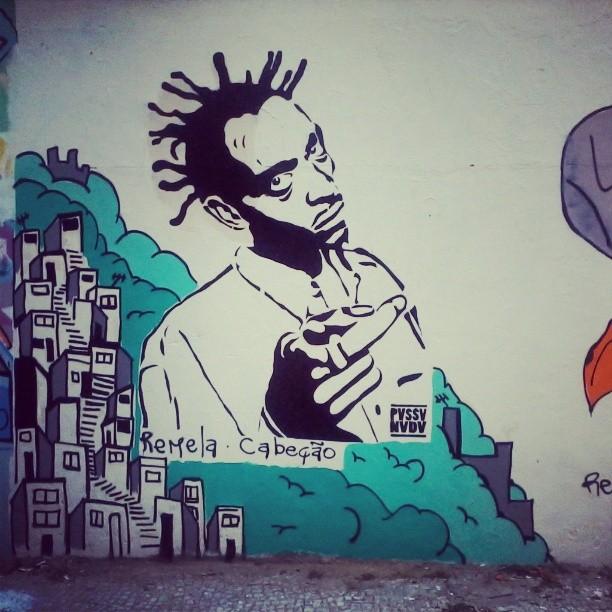 E, assim, segue a composição do mural. #streetartrio