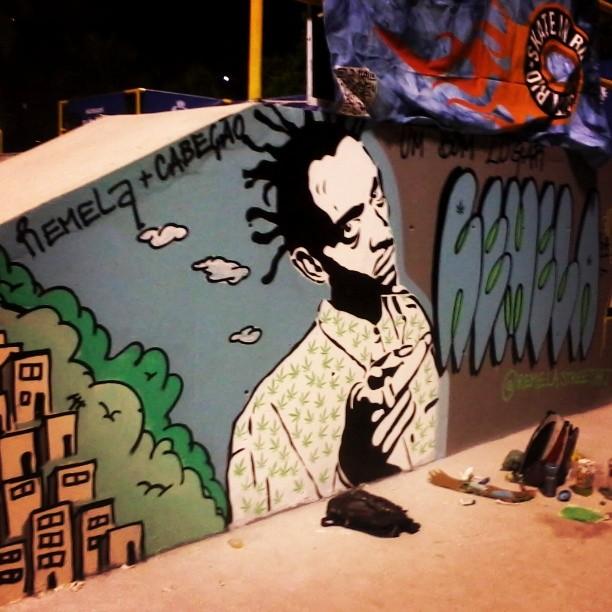 Inaugurando a pista de skate com arte. #streetartrio #streetart #sabotage