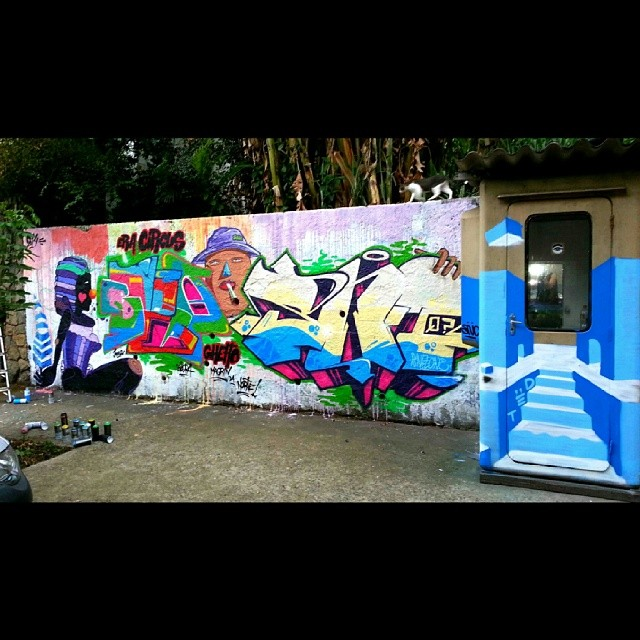 Panel with @viniciusspam @tonsnc @snitone @ted_snc #Graffiti #freestyle #freehand #Favela #GraffitiRJ #Graffrio #GraffitiRJ #HipHop #humildade #street #SprayArt #streetartrio #StreetArt #Rap #RioDeJaneiro #rua #mtn #Blopa #spray #gávea #atwork #picoftheday #life