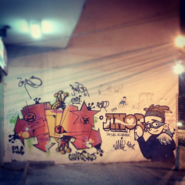 Rapaz, que belo trampo. #Graffiti #StreetArtRIO #Xarpi #StreetArt #ArteDeRua #WeLoveBombing