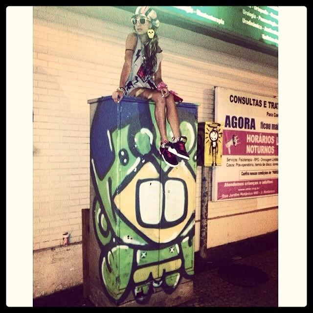 Tudo é ponto de vista! #box #graffiti #djonereal #wark #abbr #jb #streetstyle #idolnostyle #artederua #streetart #streetartrio #artcollective @idolnoproject #atelier #idolno