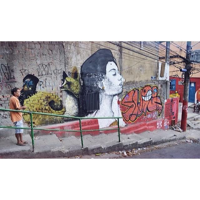 Work in progress with @heitorcorrea64 and @swagone55 • Comunidade dos Guararapes - Rio de Janeiro #instagrafite #streetartrio #graffiti