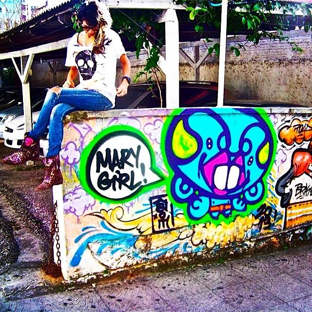 #graffiti #floripa @idolnoproject #crew #djonereal & #marygirl #idolnostyle #streetstyle #streetart #streetartrio #artespray #artederua #colors