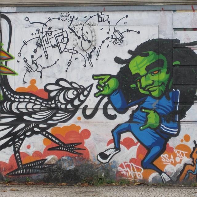 #streetartrio #artpop #artepopular #streetart #streetartist #streetartshots #grafite #grafiteart #grafitebrasil #urbanwalls #sprayart #urbanart #instarepost #ilovesstreetart #rsa_graffiti #rsa_photo_of_the_day #instagrafite #artederua