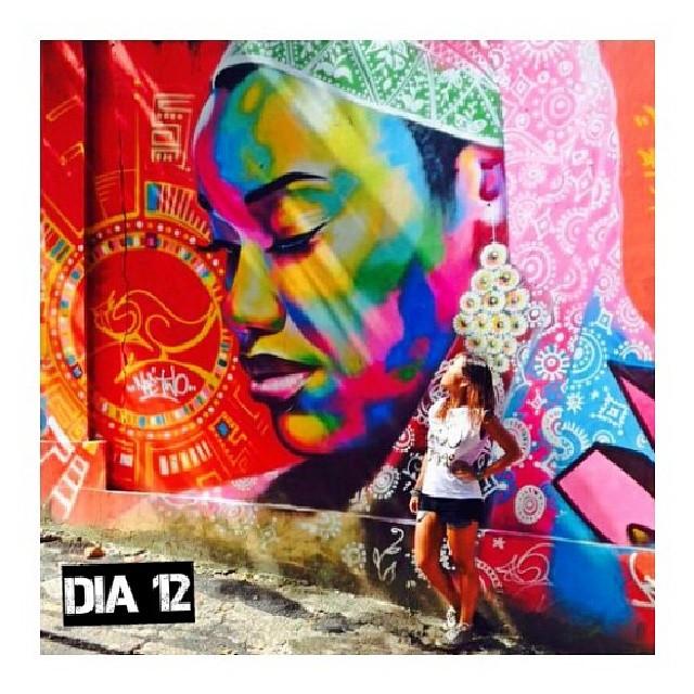 Dia 12: Todo dia é dia de ser feliz, ainda mais em uma cidade cheia de cores! #streetart #streetartrio #100happydays #100diasfelizescomavida #100happydaysmariela