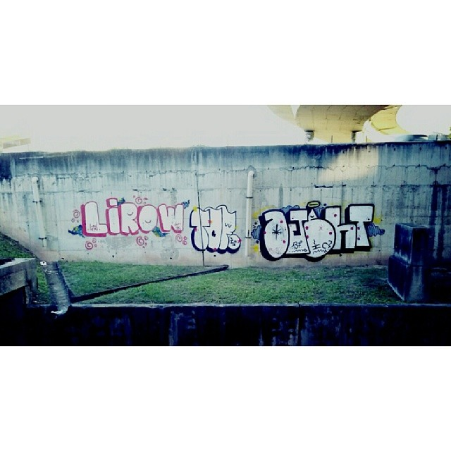 LIROW, DOCTOR and OJETH, INVASÃO CREW ! #streetartrio #vandal #morethangraffiti #bombingattack #bomber #writer #graffiti #spraydaily #discobryso #brazil #riodejaneiro