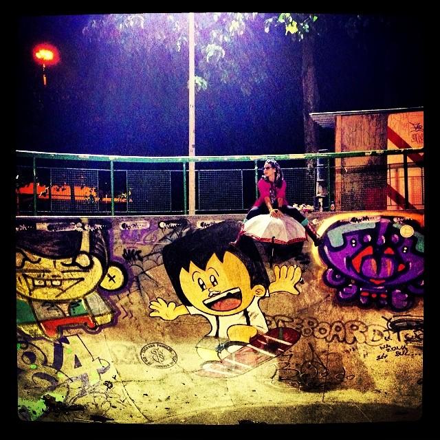 Last Night #flying #pixta #sk8 #lagoa #rolespray #crew #photo #djonereal #styling #marygirl #tags #graffiti @sockppxi & #kim & #artcollective @idolnoproject& @sagradafamiliabrazil  #artederua #streetart #streetartrio #streetstyle #idolnostyle