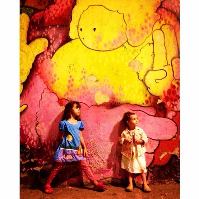 Paz e Amor!E muita tinta sempre!!! #graffiti @piafbc #cap #lagoa #jb #crew #idolnokids #mm #ninabailarina #marygirl #pinkgirl #nibiru #rosinha #artcolective @idolnoproject #streetstyle #idolnostyle #streetart #streetartrio