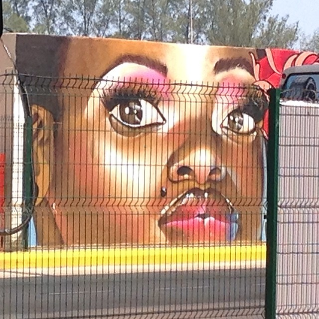 #StreetArtRio lindo!!! Queria saber de quem é.